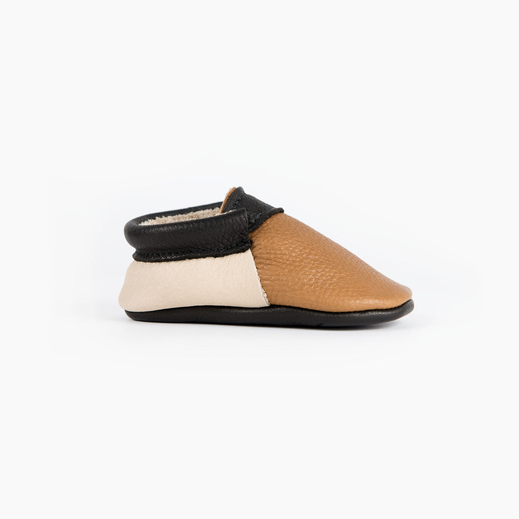 CINNAMON/CREAM/BLACK URBAN MOCCASINS