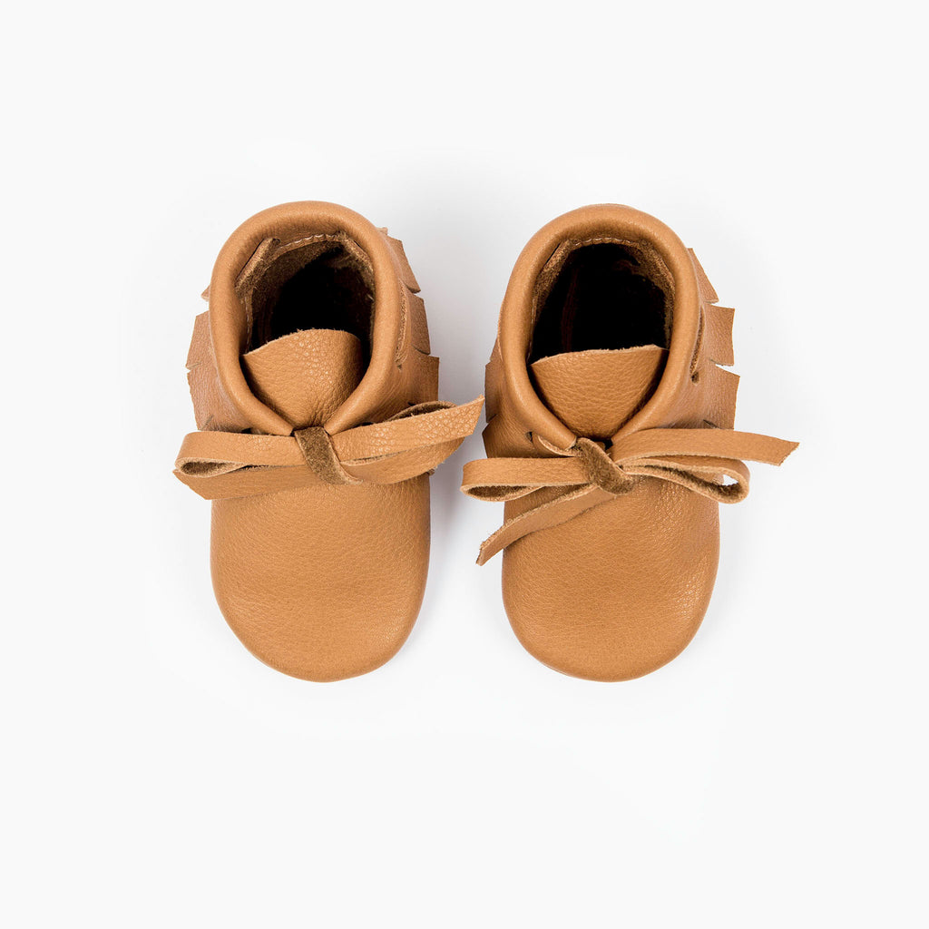 CINNAMON LACED MOCCASINS