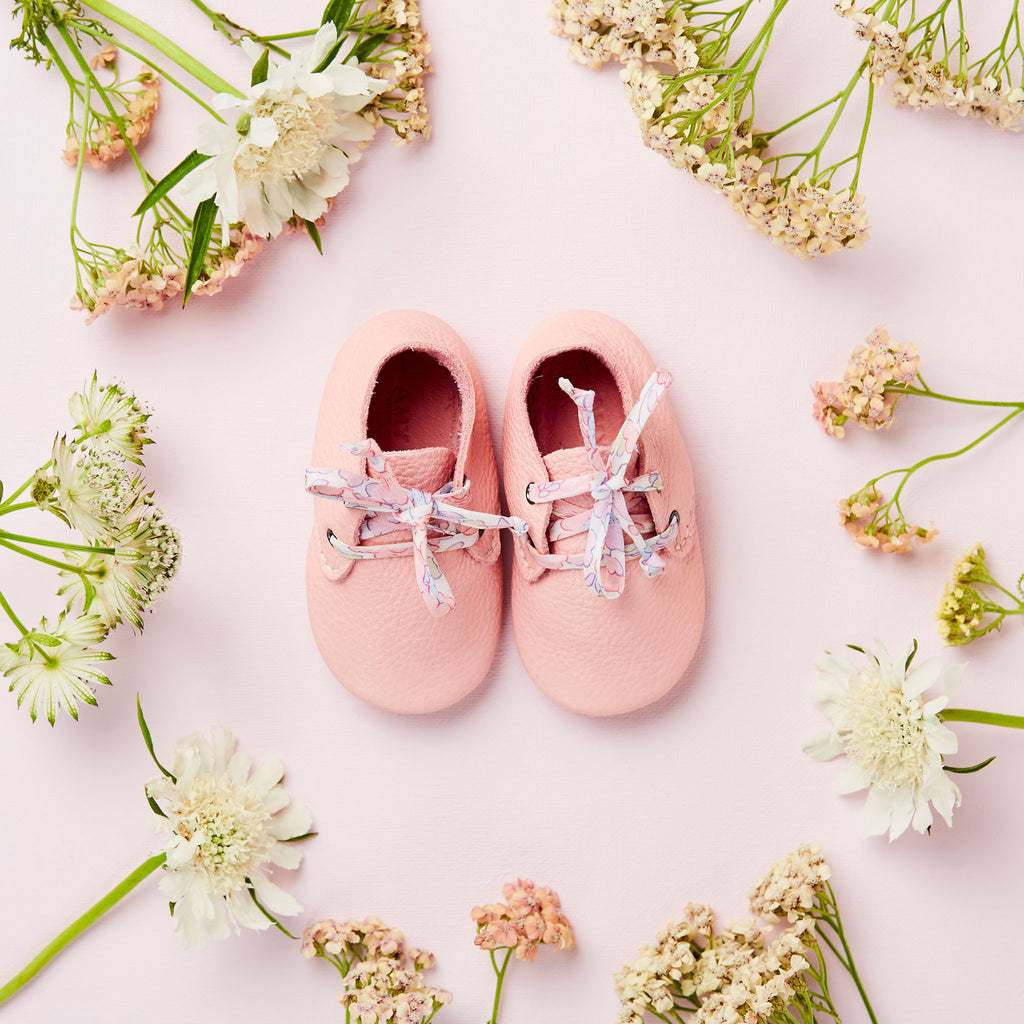 LITTLE CLOUD X AMY & IVOR BLUSH TRAVELLERS WITH LIBERTY LACES