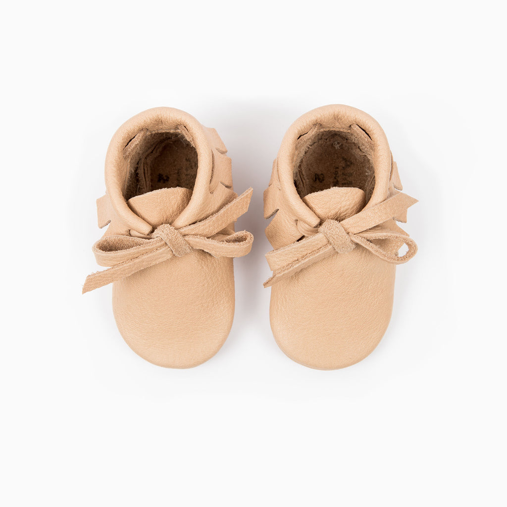 NATURAL LACED MOCCASINS