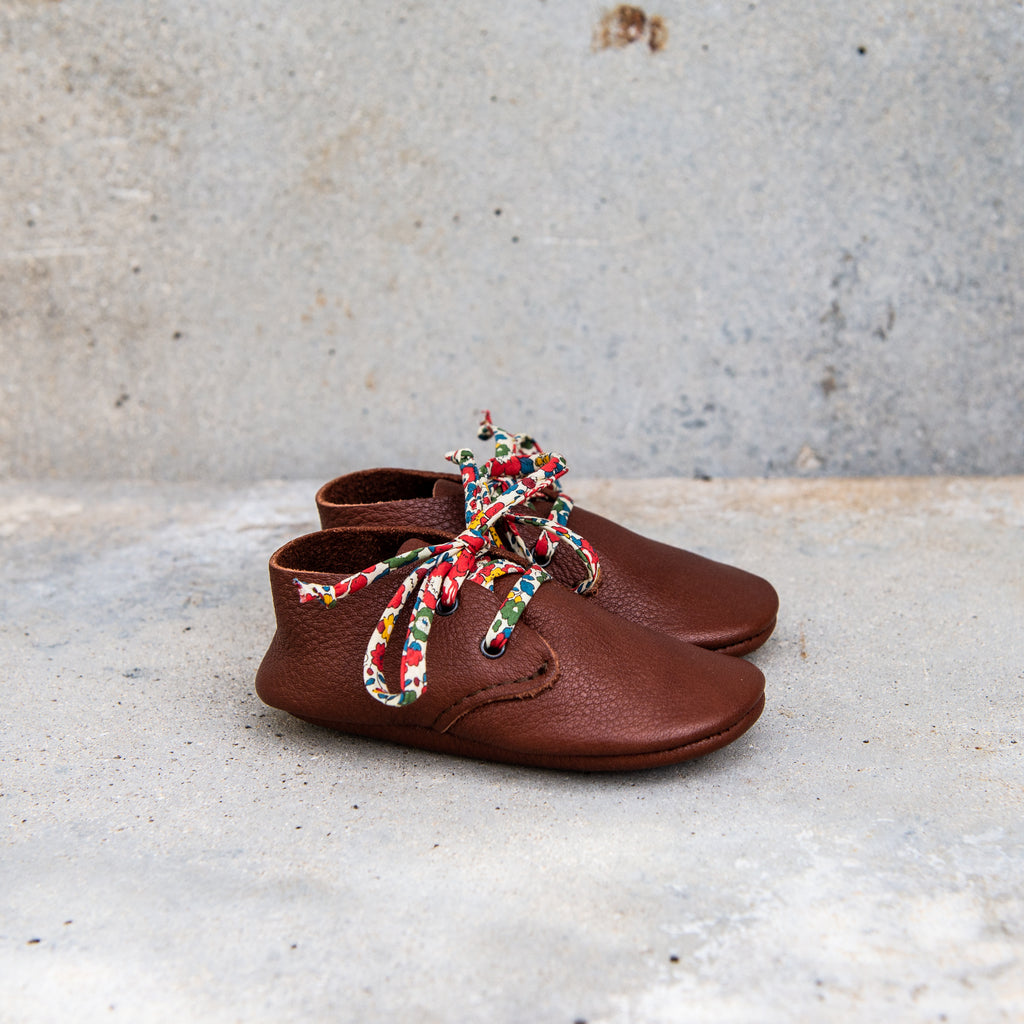 CHESTNUT TRAVELLERS WITH LIBERTY PRINT LACES