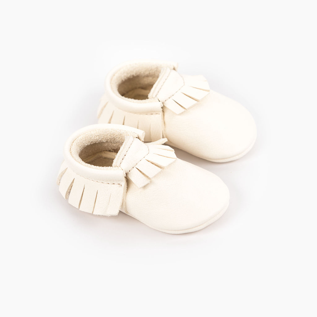 WHITE MOCCASINS STOCK SALE - VARIOUS SIZES