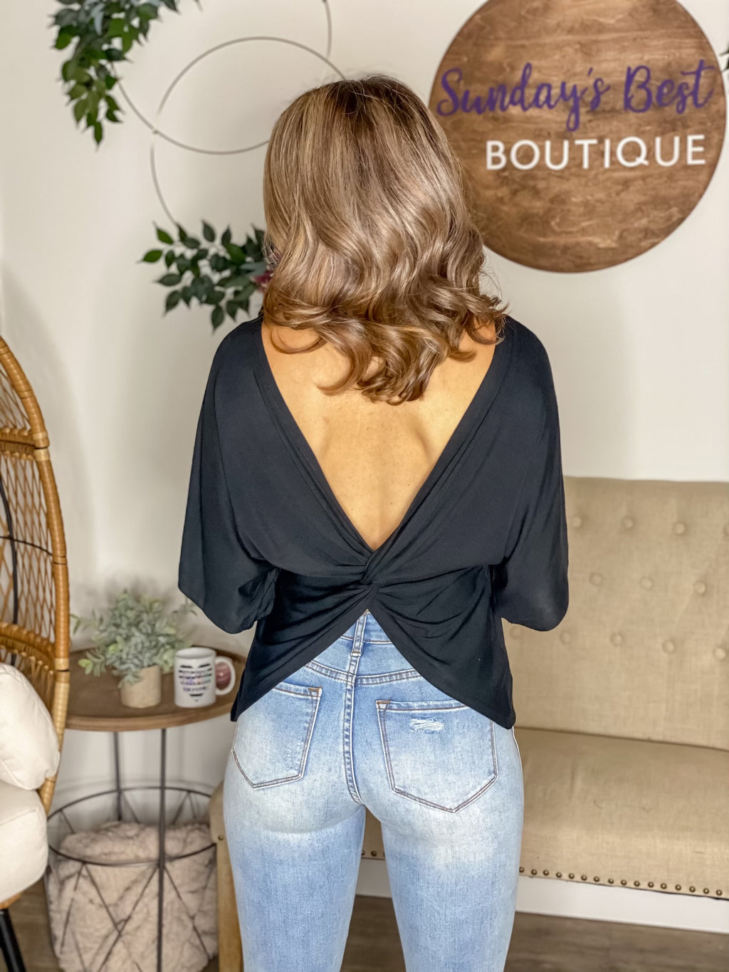 Can't Resist This Open Back Top (Black)