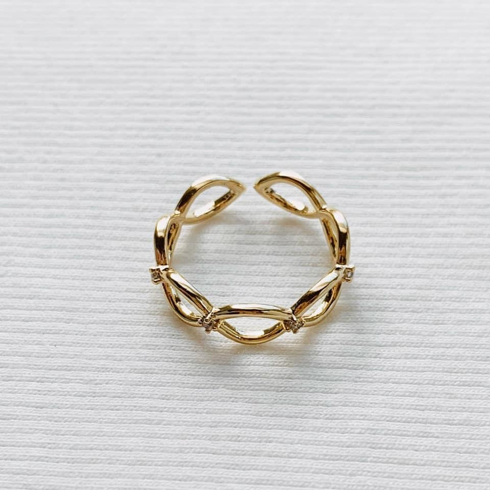 Gold Crystal Twist Ring