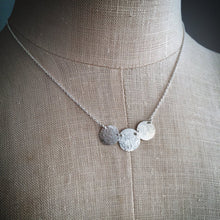 Load image into Gallery viewer, TRINITY NECKLACE - SILVER