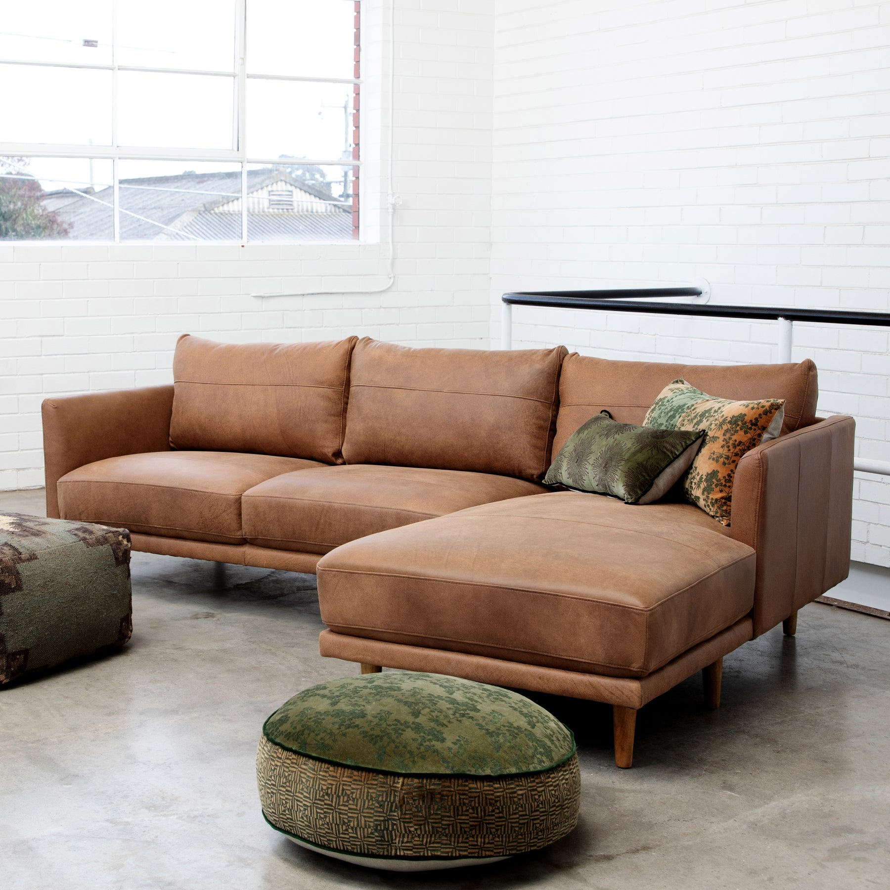 Modular Sofas, Chaises & Sectionals