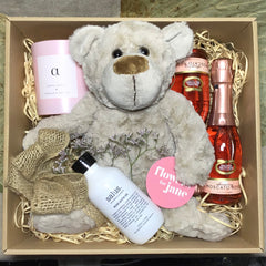 Flowers and send a Valentines Day hamper to say I LOVE YOU