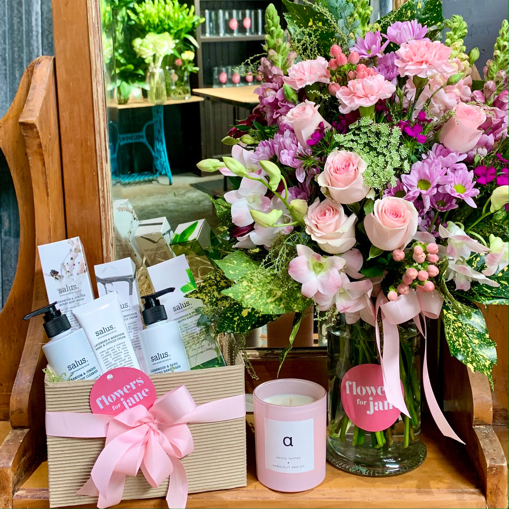 Mothers Day flowers & Spa Day hamper