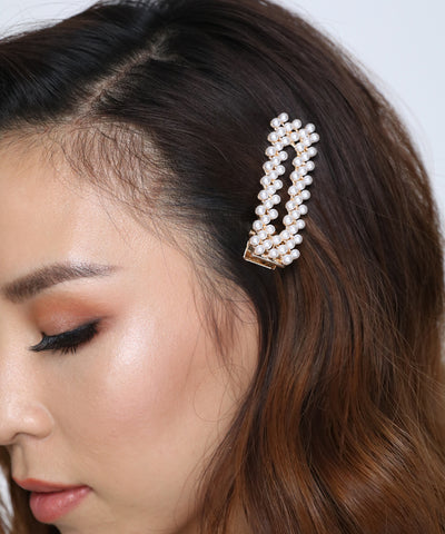 products/ClassicPearlHairClip1.jpg