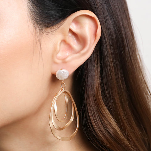 products/Ellipse_Pearl_Earrings.jpg