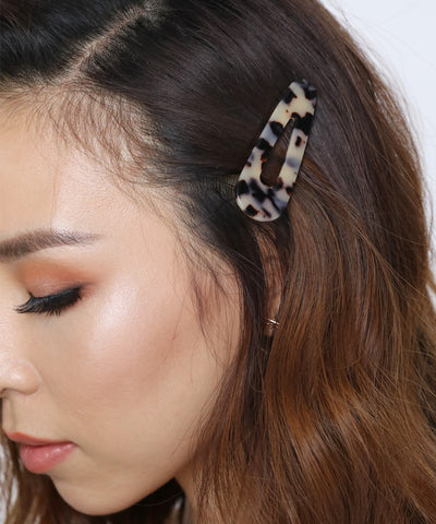 products/TortoiseshellTriangleHairClips1.jpg