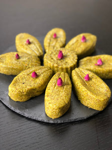 Mother's Day Flower Shaped Pistachio Cake