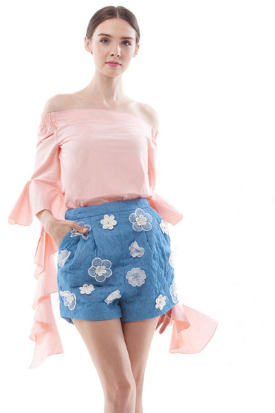 Off-shoulder blouse with cascading ruffle sleeves (Pink/ White)