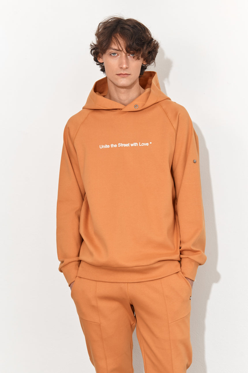 NUGGET ORANGE HOODED SWEATSHIRT UNITE