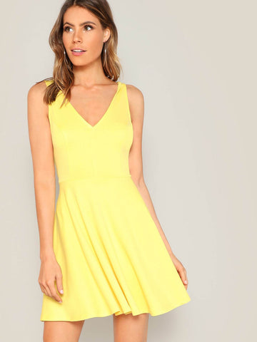 Yellow Sleeveless Double V-neck Pleated Solid Dress