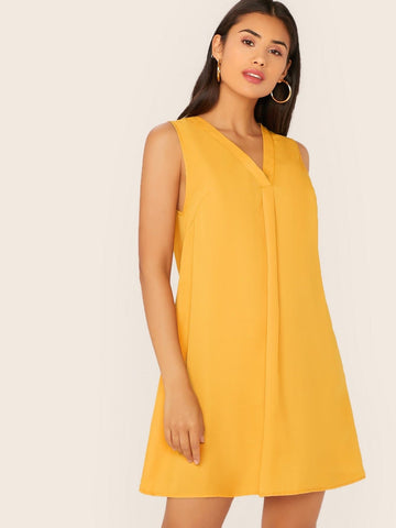 Sleeveless V-neck Fold Pleat Swing Dress
