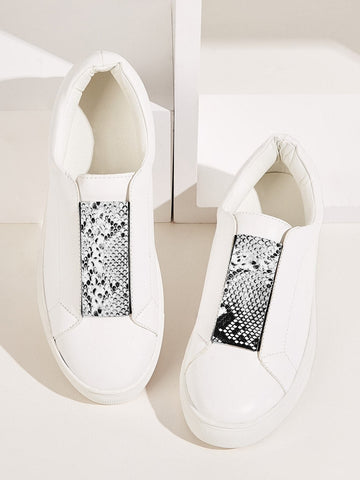 Round Toe Snakeskin Print Slip On Sneakers