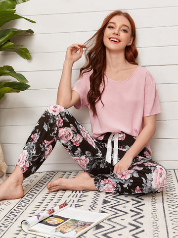 Round Neck Solid Top and Floral Trousers Pyjama Sleepwear Set