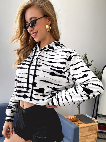 Black and White Tie Dye Print Drawstring Crop Hoodie Pullover