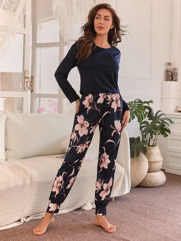 Round Neck Flower Print Pyjama Sleepwear Set