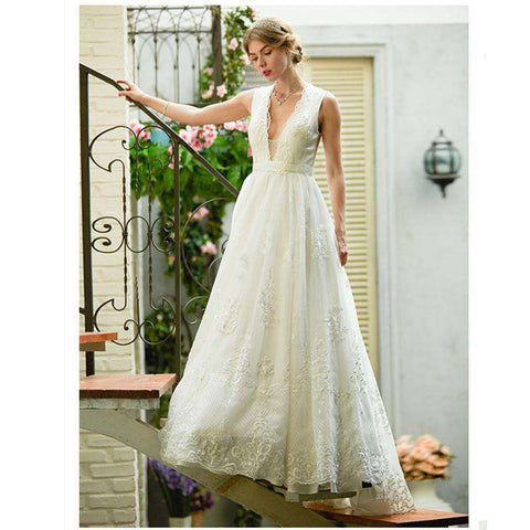 Illusion A-Line V-neck Sleeveless Court Train Lace Tulle Bridal Gown with Appliques Robe