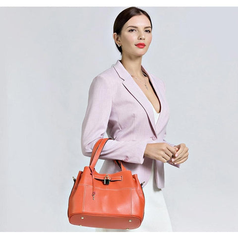100% Cow Leather Shoulder Bag With Lock Decoration Handbag