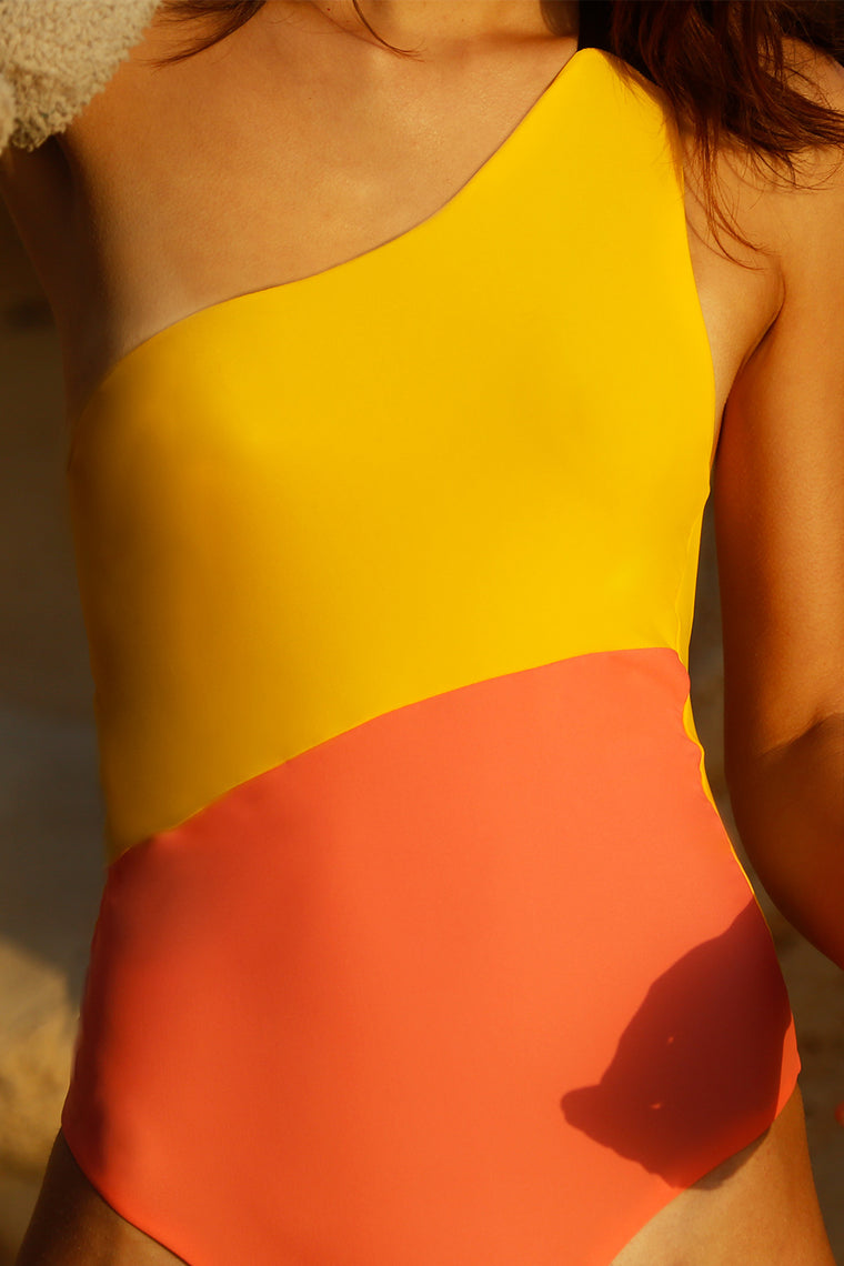 Surie Swimsuit Coral Jaune Yellow close up
