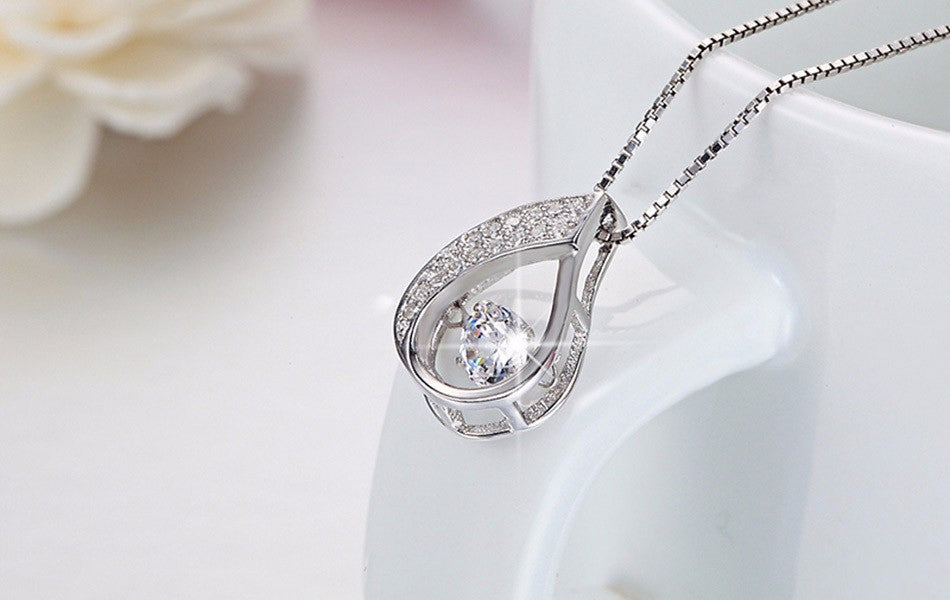 925 Sterling Silver Women Necklace New Flickering Zircon Design