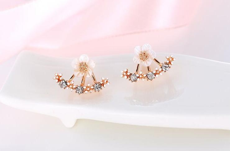 2018 Fashion Jewelry Cute Cherry Blossoms Flower Stud Earrings for Women