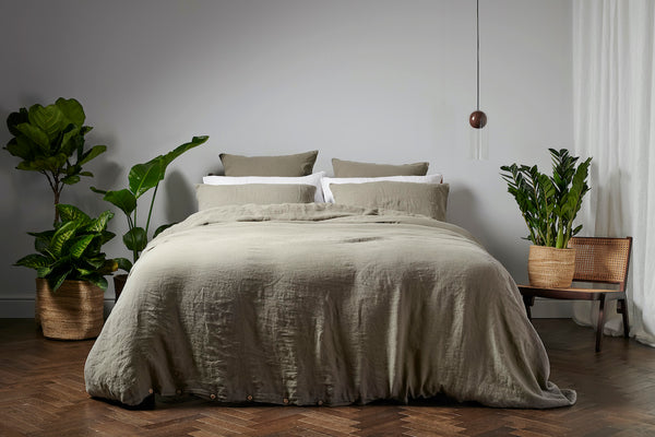 Bedfolk 100% Linen in Moss Green