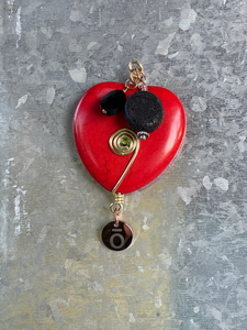 Red Heart Magnet (Black Bead)