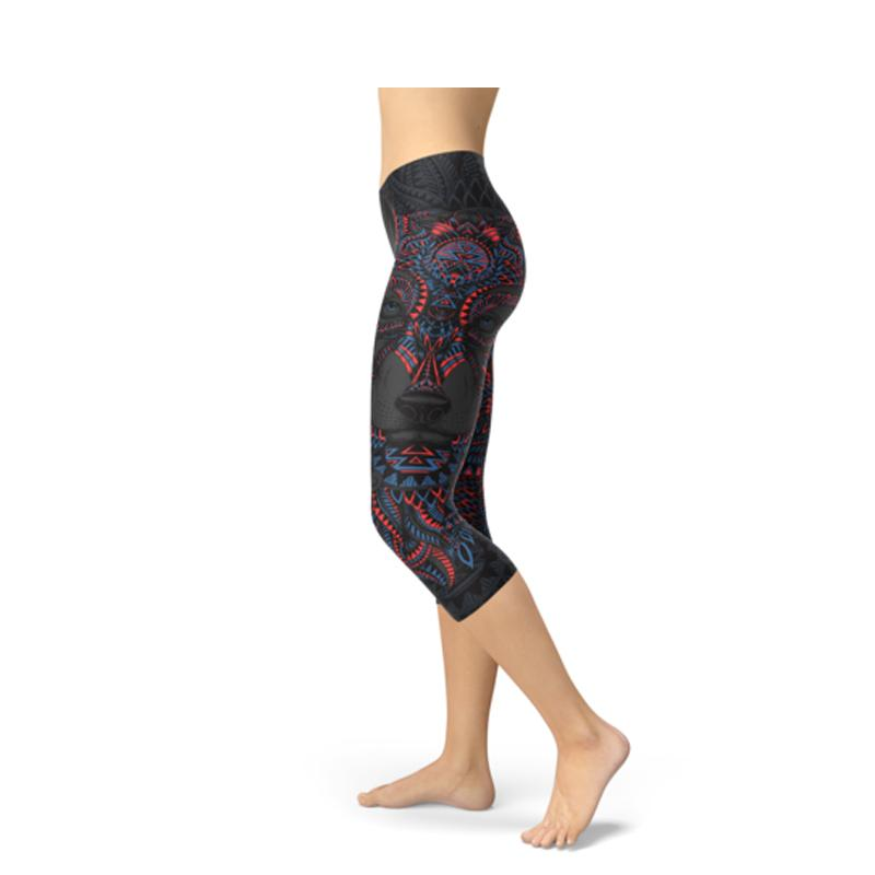 Women's Black Wolf Capri Leggings-Habitout