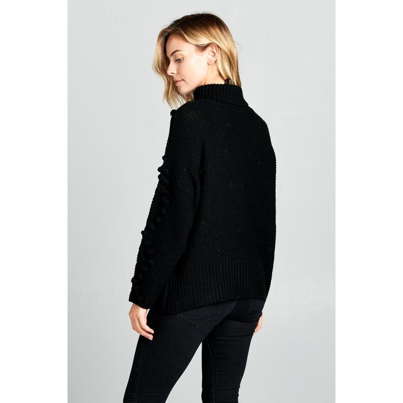 Women's Turtleneck Knit Sweater With Pom-Pom-Habitout