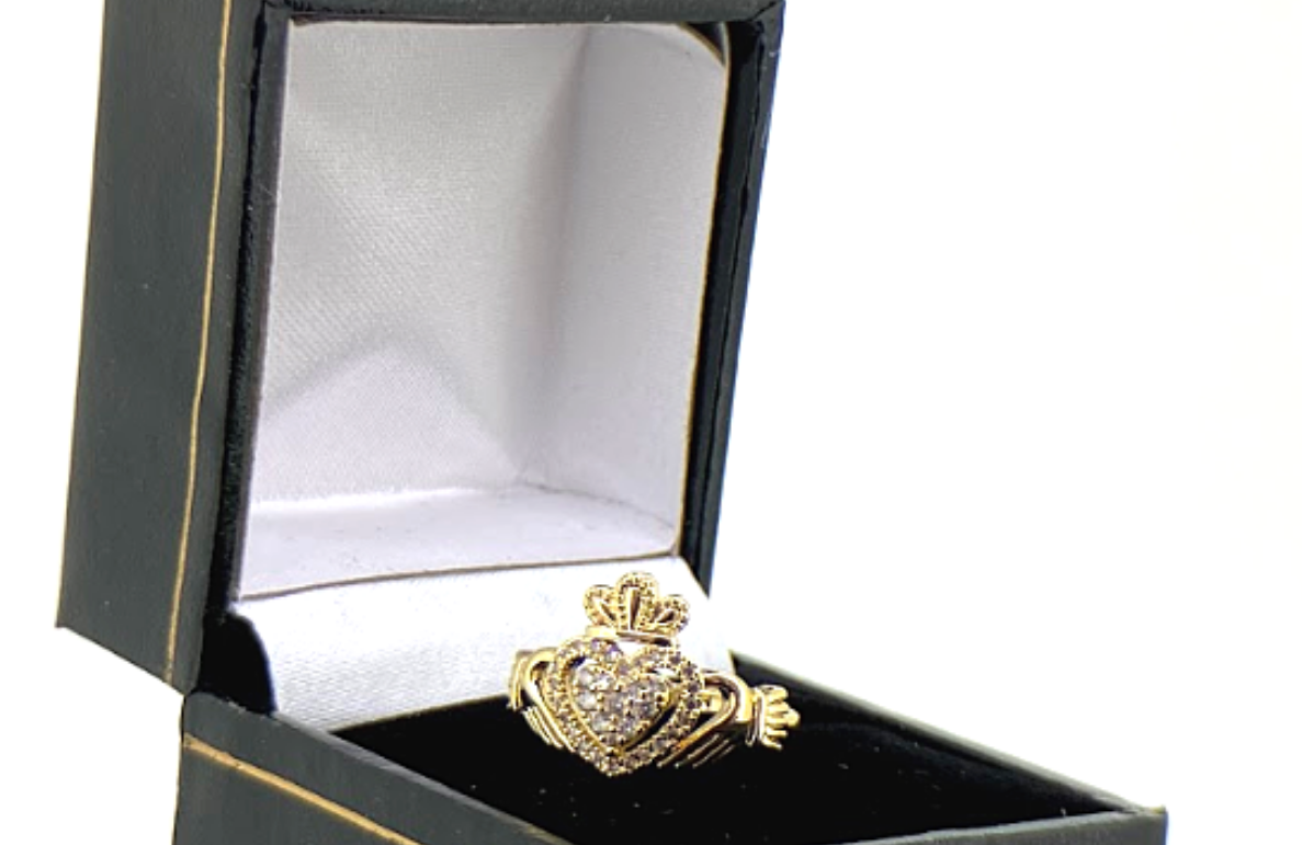 Ladies Gold Claddagh Ring with Stones
