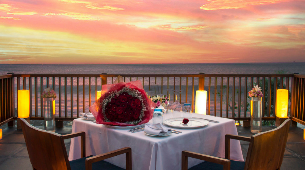 Vogue Dining - Cliffside Romance In Uluwatu