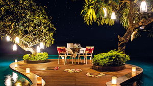 Luxurious Dining - Poolside Romance In Uluwatu