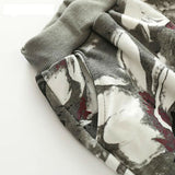 Gray autumn set with feathers / Conjunto gris de otoño con plumas