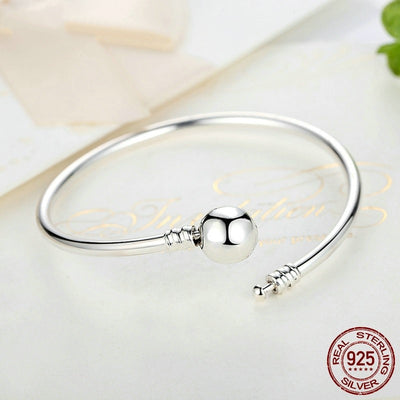 Bangle, Snowflake Clasp with CZ, Engrave 'Unique as you are', 925 Silver