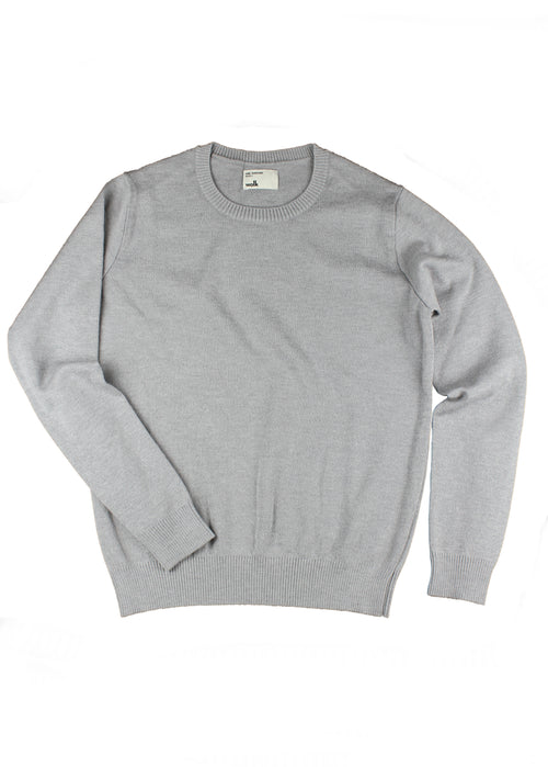 Merino wool sweater for men in light grey melange color with crew neck half milano stitch made in Portugal