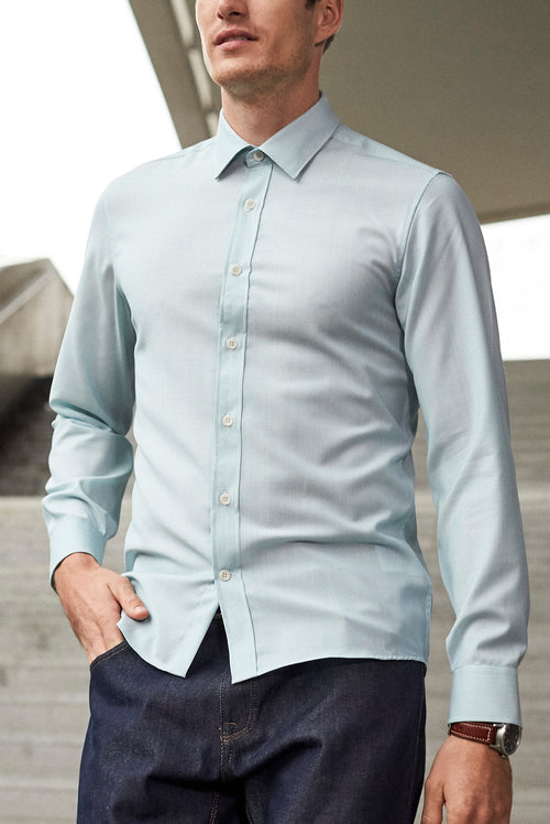 Wolk - Men wearing bottom up shirt with long sleeves in aqua stripe
