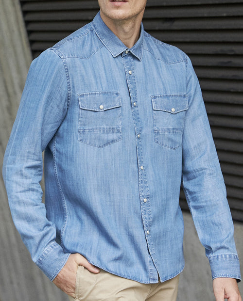 Wolk- Tencel denim men shirt with long sleeves, 2 chest pockets and color indigo washed