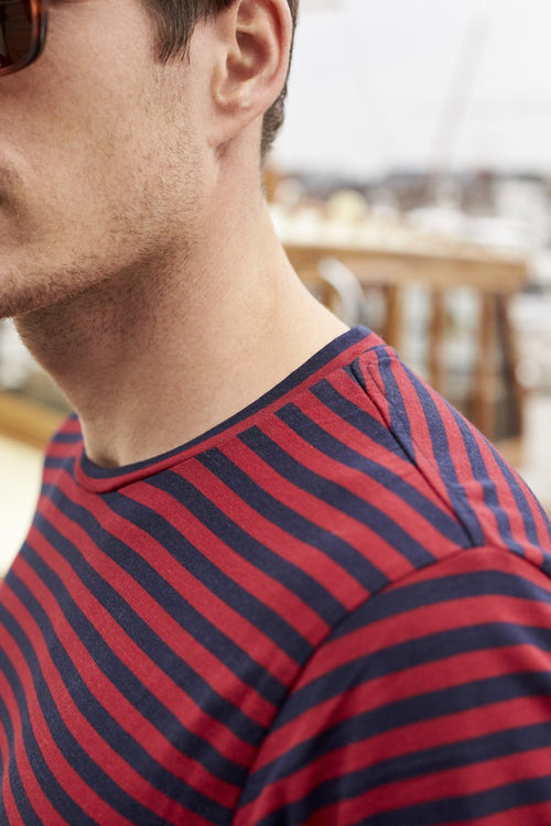 Wolk-Man wearing Climaforce Merino T-shirt in red blue stripe and round neck