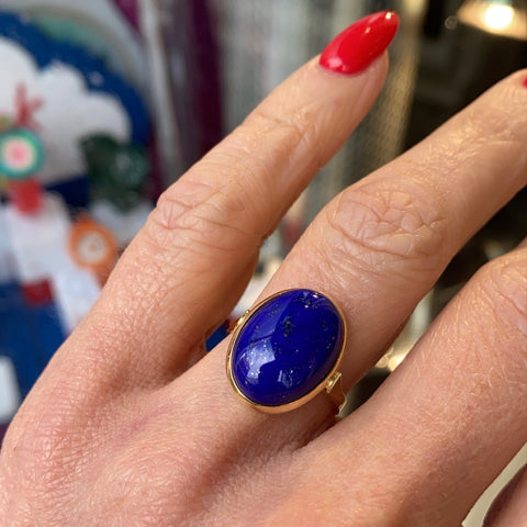Oval Lapis Lazuli 18ct yellow gold ring