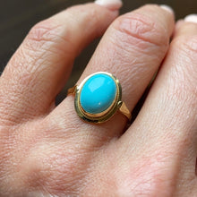 Load image into Gallery viewer, 18ct Gold Oval Turquoise Ring