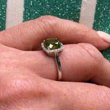 9ct White Gold Peridot & Diamond Ring