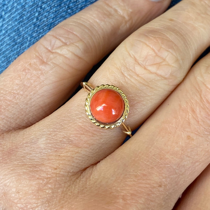 9ct Gold Red Coral Dress Ring - Round Signet