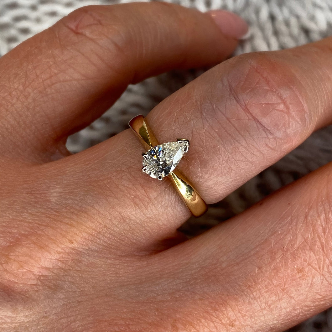 18ct Gold Pear Cut Diamond Solitaire Engagement Ring 0.51ct