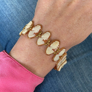 18ct Gold Shell Cameo Bracelet