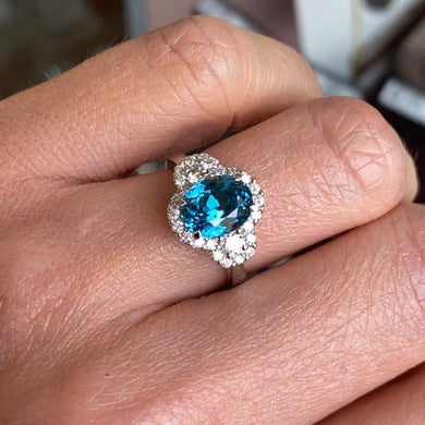18ct White Gold Blue Zircon & Diamond Ring Size M 1/2 Blue zircon 3.93ct Diamonds 0.24ct in total
