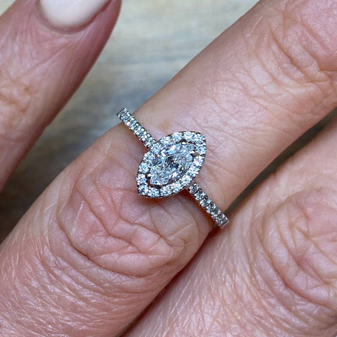 18ct White Gold Kelly Engagement Ring